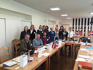 Link, Ferz und Sonnleitner mit ProjektteilnehmerInnen aus Lettland, Italien, Litauen, Tschechien und Bulgarien