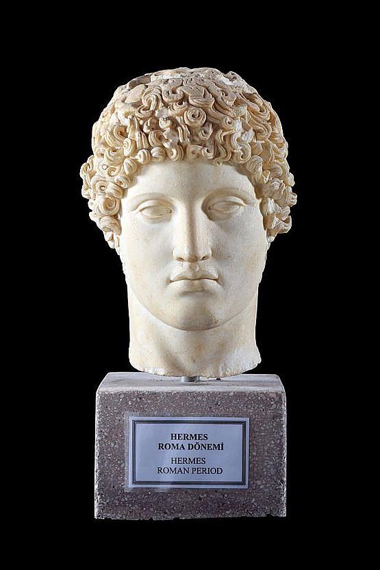 Hermes, Typus Ludovisi. Museum Side, Inv. 154, Fundort Drei-Becken-Brunnen. © Alice Landskron, Foto: Gordian Landskron