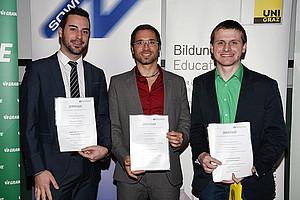 Die Top 3 im SOWI-Ranking (v.l.): Manuel Christoph Fink (2.), Timon Scheuer (1.) und Patrick Mittermaier (3.). Fotos: Uni Graz/Pichler