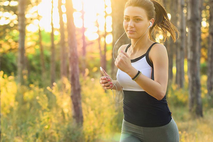 Menschen, die laufen – egal wie viel – haben im Vergleich zu Personen, die nicht laufen, ein deutlich geringeres krankheitsbedingtes Sterberisiko, zeigt eine neue Studie unter Beteiligung der Universität Graz. Foto: pixabay