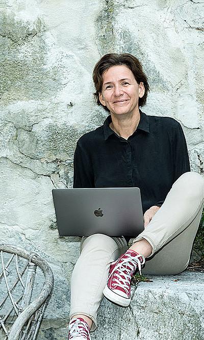 """""""Digitale Medien bringen eine spannende neue Dimension in den Unterricht"""", ist Bildungswissenschafterin Kathrin Otrel-Cass überzeugt. Foto: Christa Strobl"""