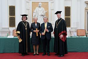 Goldene Promotion an der Uni Graz: OGH-Präsidentin Irmgard Griss, langjähriger Raiffeisen-General Georg Doppelhofer, Rektor Martin Polaschek (links) und REWI-Dekan Christoph Bezemek. Foto: Gasser