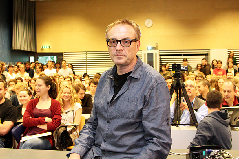Parade-Kabarettist Josef Hader an der Uni Graz: Wer die Seminarstunde verpasst hat, kann diese nun nachschauen.