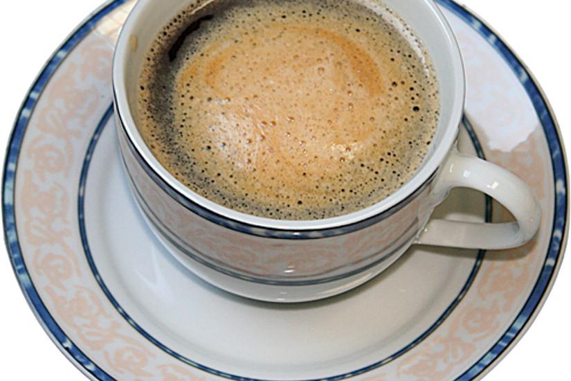 """Studien zeigen: Kaffee ist gesund! Aber Vorsicht: Die Milch macht seine positiven Effekte zunichte. Bild:Ben Dobrunz/<a href=""""http://www.pixelio.de"""">pixelio.de</a>."""