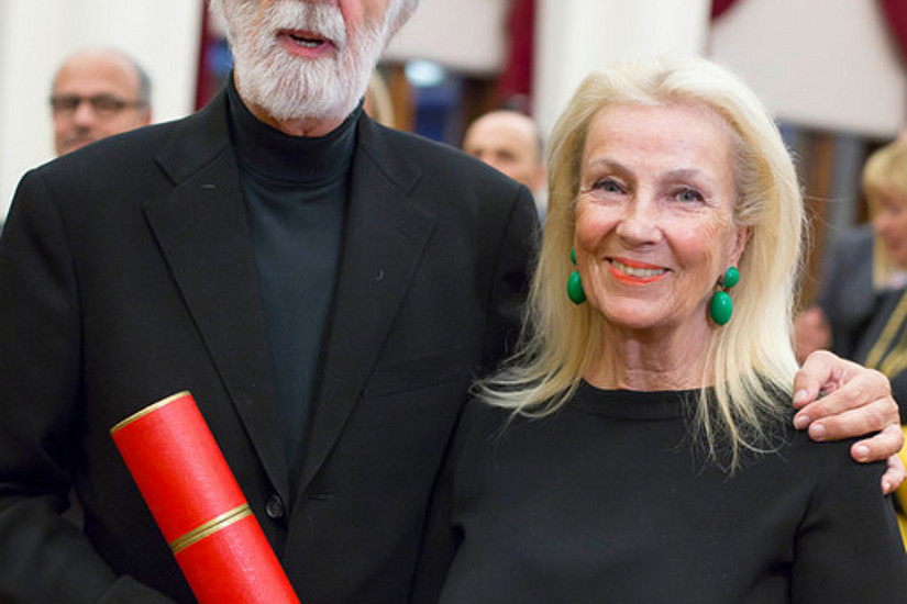 Frischgebackener Ehrendoktor mit Ehefrau Susanne Haneke