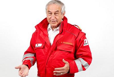 UNI for LIFE Pflegemanagement, Gerald Schöpfer, Rotes Kreuz