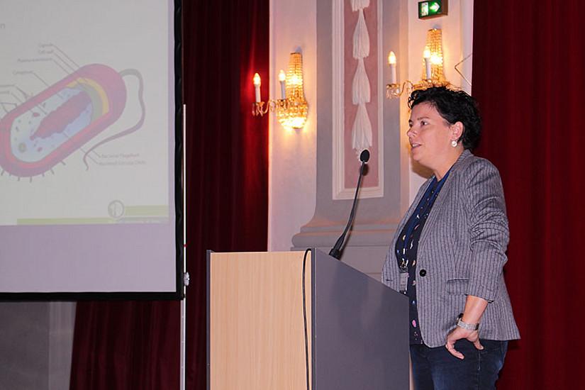 Christine Moissl-Eichinger von der Med Uni Graz hielt einen Vortrag über Mikroben im Weltraum.
