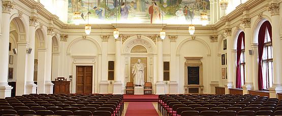 Aula der Karl-Franzens-Universität Graz (Innenansicht)