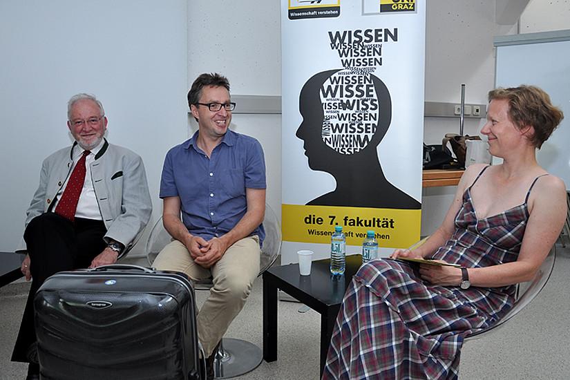 Bodingbauer (Mitte) erklärte Moderatorin Dagmar Eklaude die Intention seiner Podcast-Reihe. Crailsheim (l.) stand bereits als Interviewpartner zur Verfügung.