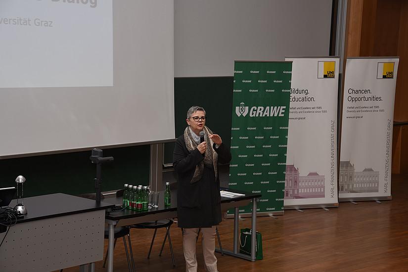 Uni Graz, 11. Österreichischer Wirtschaftspädagogik-Kongress, RESOWI, Institut für Wirtschaftspädagogik, Eröffnung Renate Dworczak