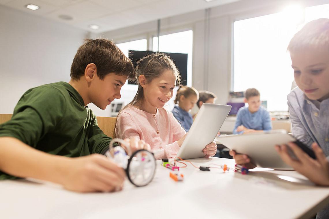 Digitale Inhalte im Unterricht: Die Universität Graz baut ein Zentrum für Inklusive Bildung auf. Foto: Shutterstock.com