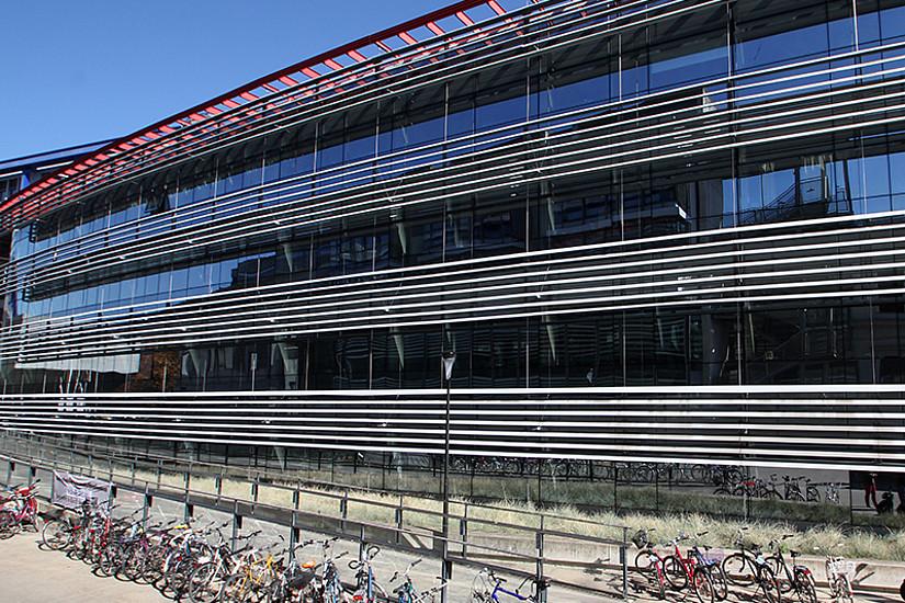 Zu den Lehrveranstaltungen der Sommeruniversität SOWI müssen die Studierenden heuer nicht auf den Campus kommen. Aufgrund von Corona finden sie online statt. Foto: Uni Graz