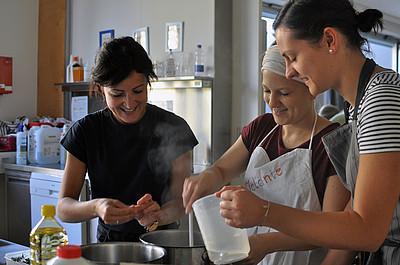 Gesundheitsförderung und Gesundheitspädagogik Praxis Küche UNI for LIFE