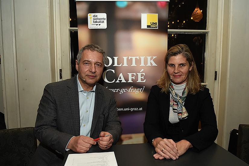 Brisantes Thema im Politik Café: Bettina Knötzl und Markus Steppan Foto: Uni Graz/Schweiger