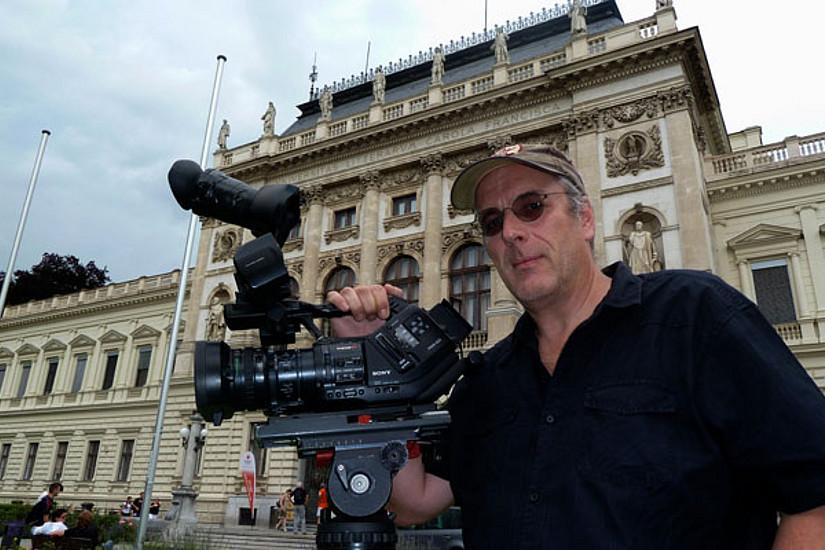 Christian Reiser mit Kamera