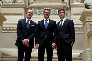 Haben den Prozess gewonnen: Florian Hutzl, Christian Thon und Jan Philipp Schifko.
