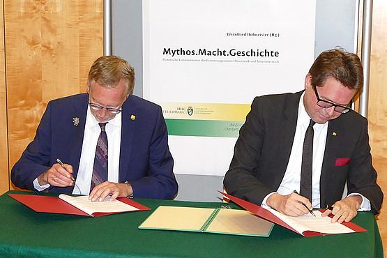 Die Unterzeichnung des Kooperationsvertrages zwischen der Universität Graz und der HLK stärkt die Zusammenarbeit beider Institutionen, die im Sommersemester 2020 wieder eine gemeinsame Ringvorlesung anbieten werden. Foto: HLK