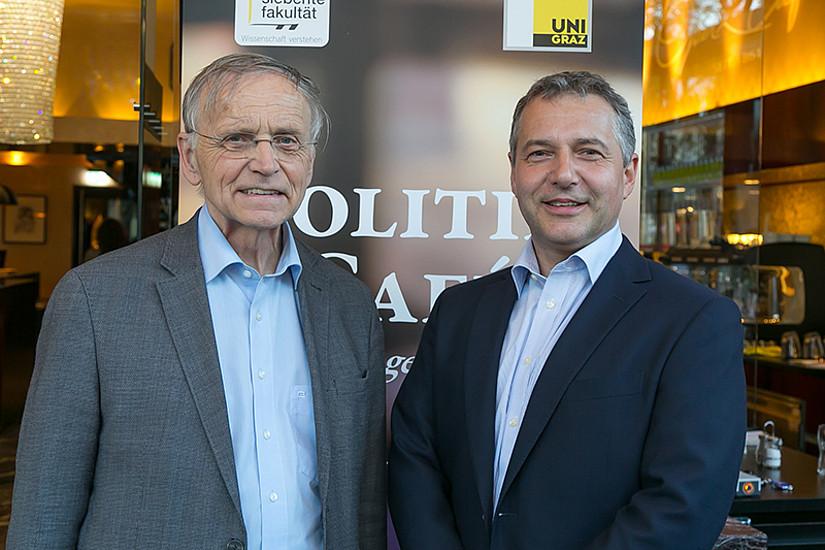 Politik Café-Gastgeber Markus Steppan (rechts) begrüßte Theologen Paul Zulehner, Fotos: Wolf
