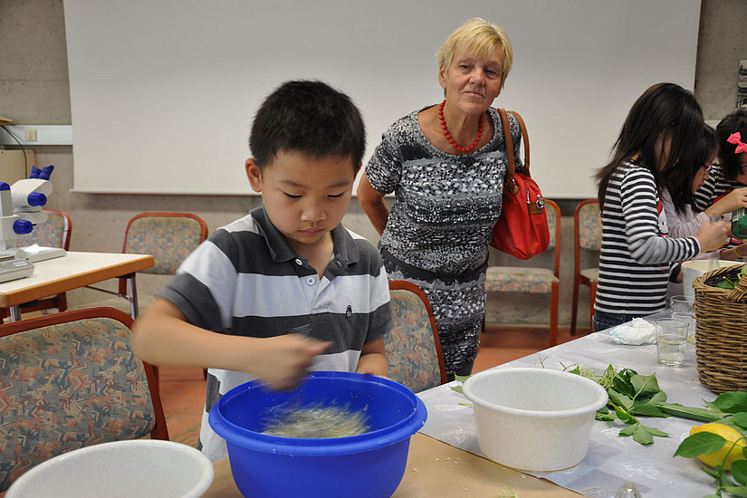 Kind beim Workshop