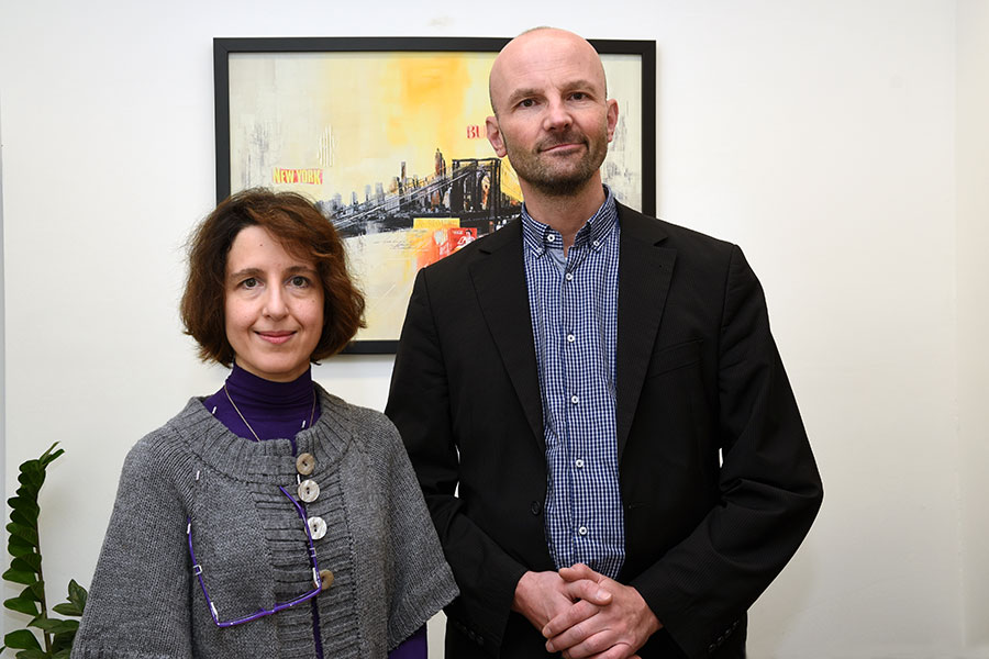 Stefan Brandt und Tatiani Rapatzikou wollen Aktivitäten im Bereich der Digital Studies europaweit vernetzen. Foto: Uni Graz/Pichler