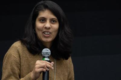 Physikerin Suchita Kulkarni will die Faszination der dunklen Materie an ein interessiertes Publikum weitervermitteln. Foto: N.N.
