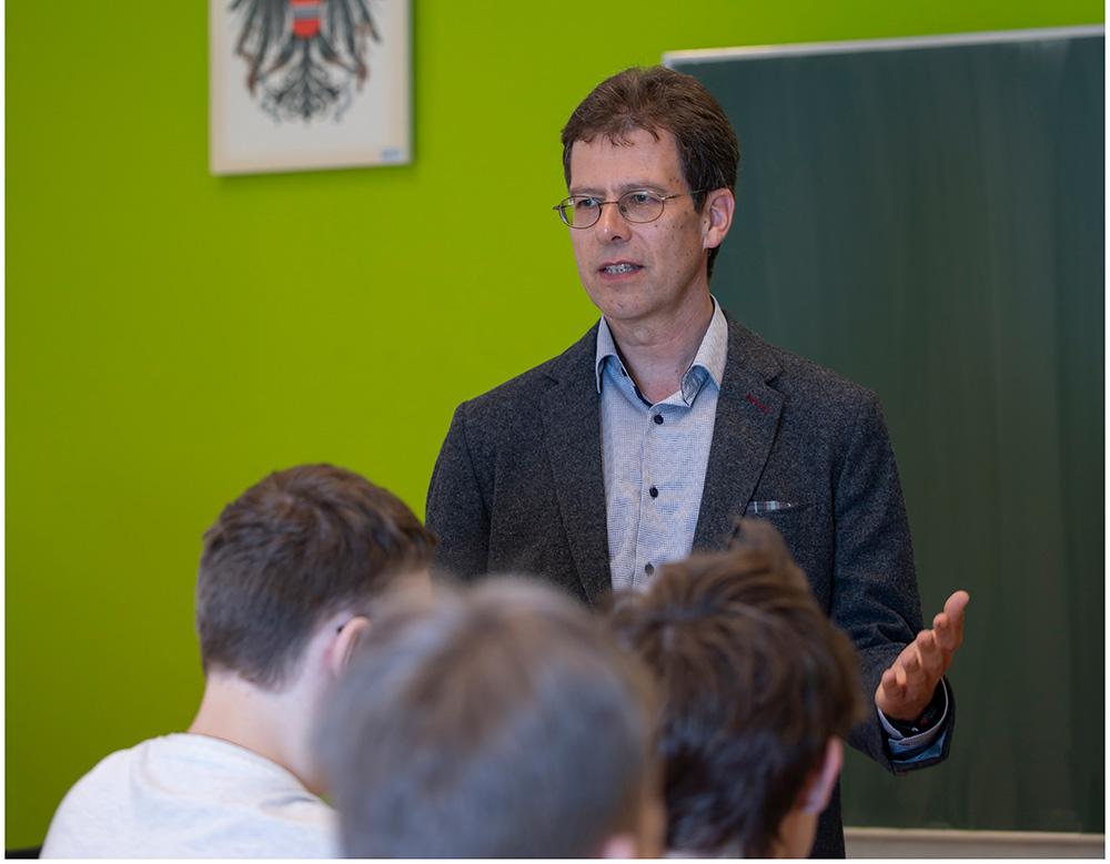 """Wolfgang Weirer leitet den Lehrgang """"Islamische Religionspädagogik im österreichischen Kontext"""". Foto: Uni Graz/Lunghammer"""