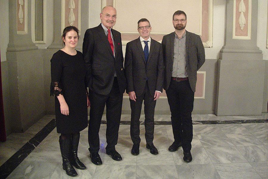 Dieter Binder (2. v. l.) mit FachkollegInnen: Ursula Mindler, Pieter Judson und Gerald Lamprecht (v. l.) Foto: Anna Maria Steiner