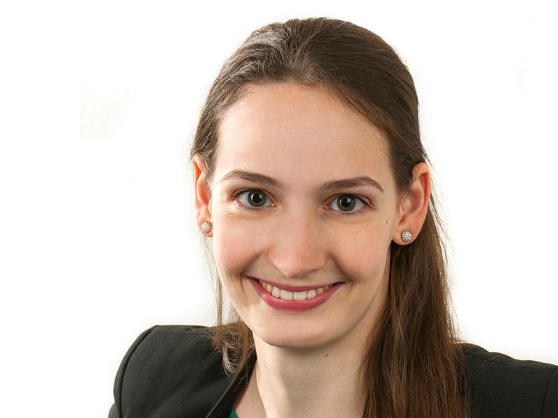 Modesta Trummer ist Pharmazeutin und will auf der Arqus PhD Week Kontakte zu anderen JungforscherInnen, zu ExpertInnen und Unternehmen knüpfen. Foto: Susanne Posch.