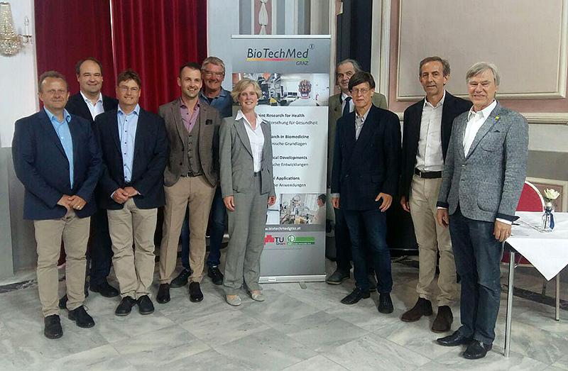 Eröffneten das neue CEL-Labor: Michal Holčapek, Gerald Rechberger (Uni Graz), Harald Köfeler (Med Uni Graz), Thomas Eichmann (Uni Graz), Wolfgang Sattler (Med Uni Graz), Judy McCaffrey (Agilent), Wolfgang Graier (Med Uni Graz), Kai-Uwe Fröhlich (Uni Graz), Robert Krause (BioTechMed-Graz) und Karl Lohner (Uni Graz). Foto: Uni Graz/Leljak.