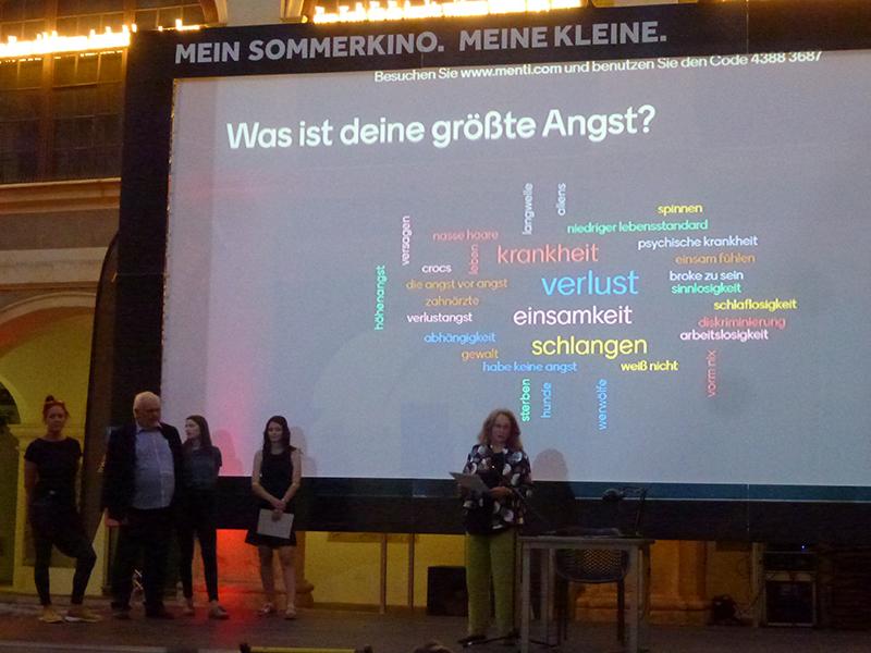 Katharina Eisch-Angus und die Studierenden präsentierten den Film im Lesliehof - fast eineinhalb Jahre nach der geplanten Premiere. Foto: KK.